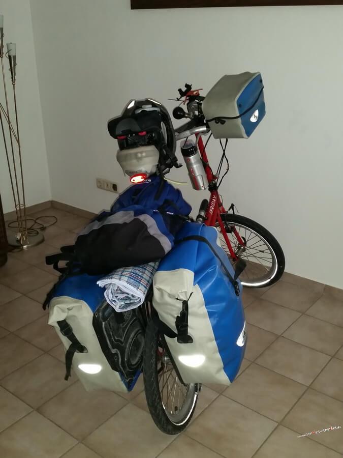 Mein fertig gepacktes Faltrad