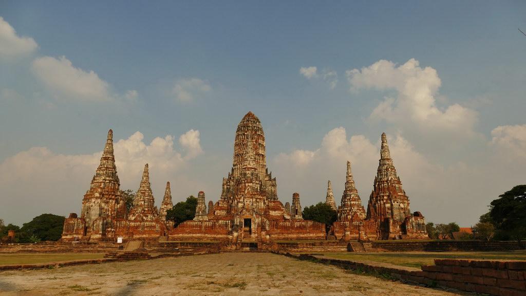 ayutthaya-tempel-im-abendlicht