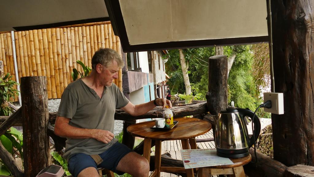 Frühstück am River Kwai