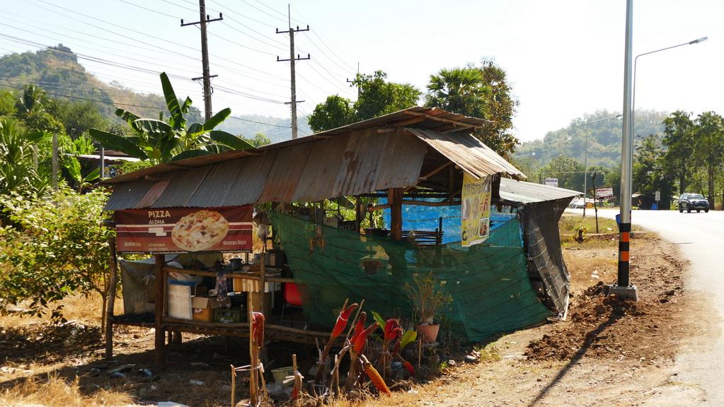 Hütte am Straßenrand