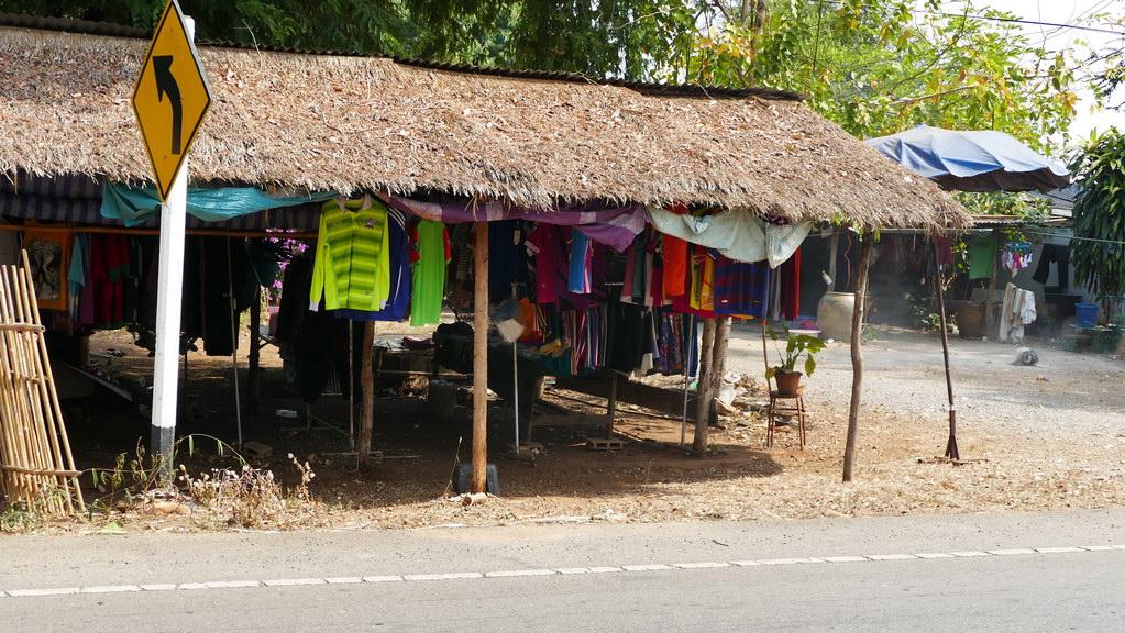 Textilshop am Straßenrand