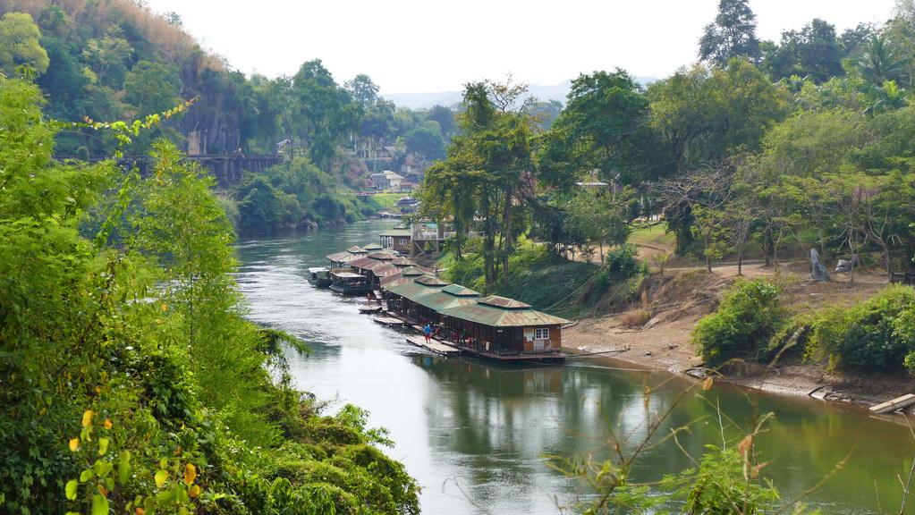 Blick von der Tham Krasae Railway Bridge