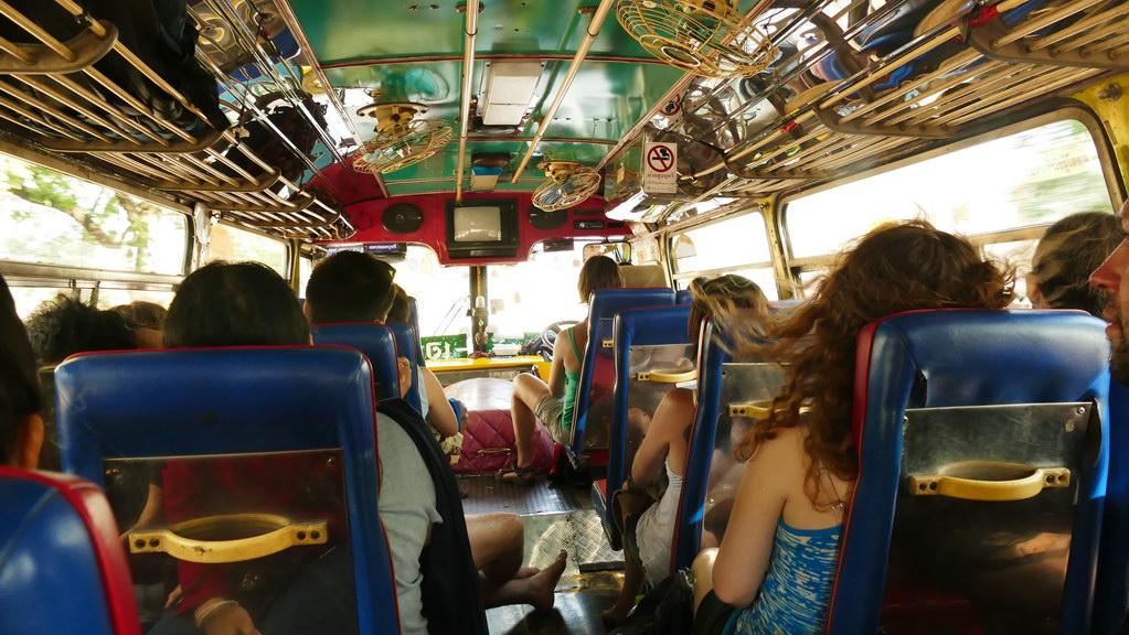 Bus nach Kanachaburi