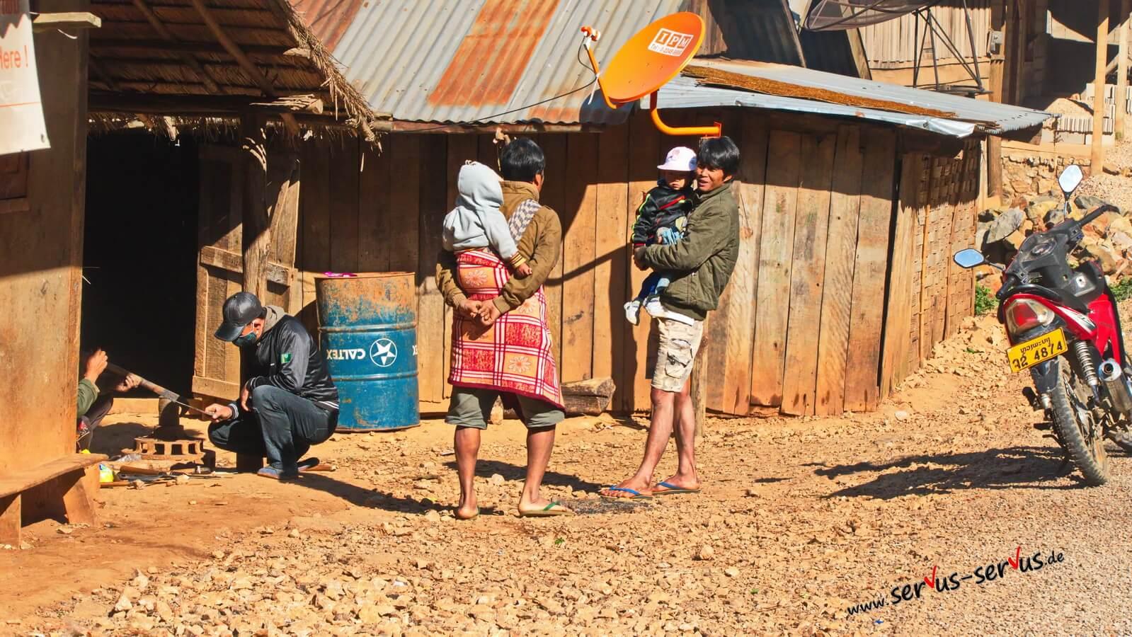 Laos-Männer-Baby