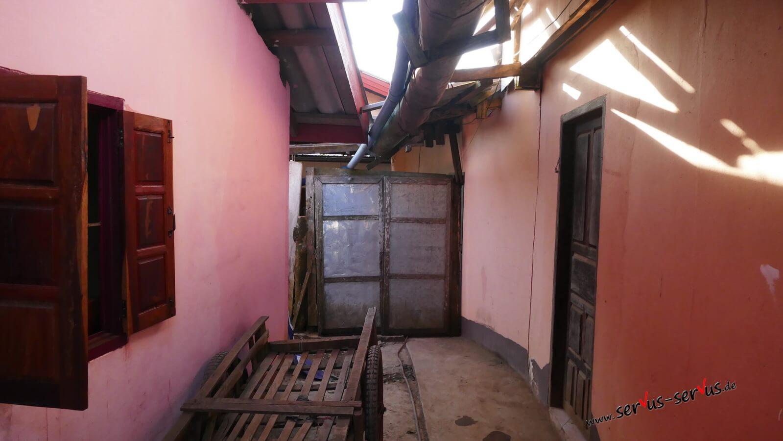 Eingang-zum-Zimmer
