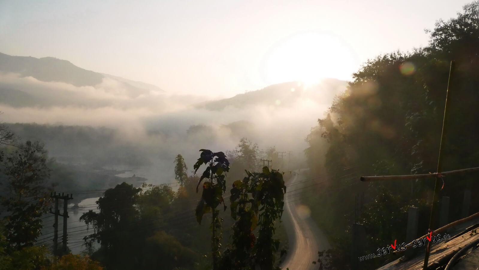 Laos, Nebel in den Bergen