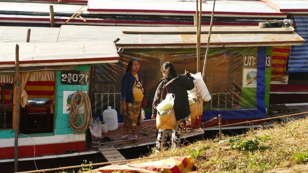 slowboat-mekong-houayxay