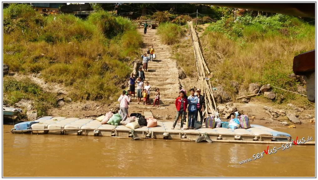 mekong-warten-auf-das-slowboat