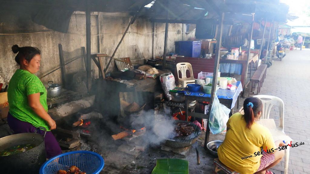 buffet-aufbau-laos-luang praban