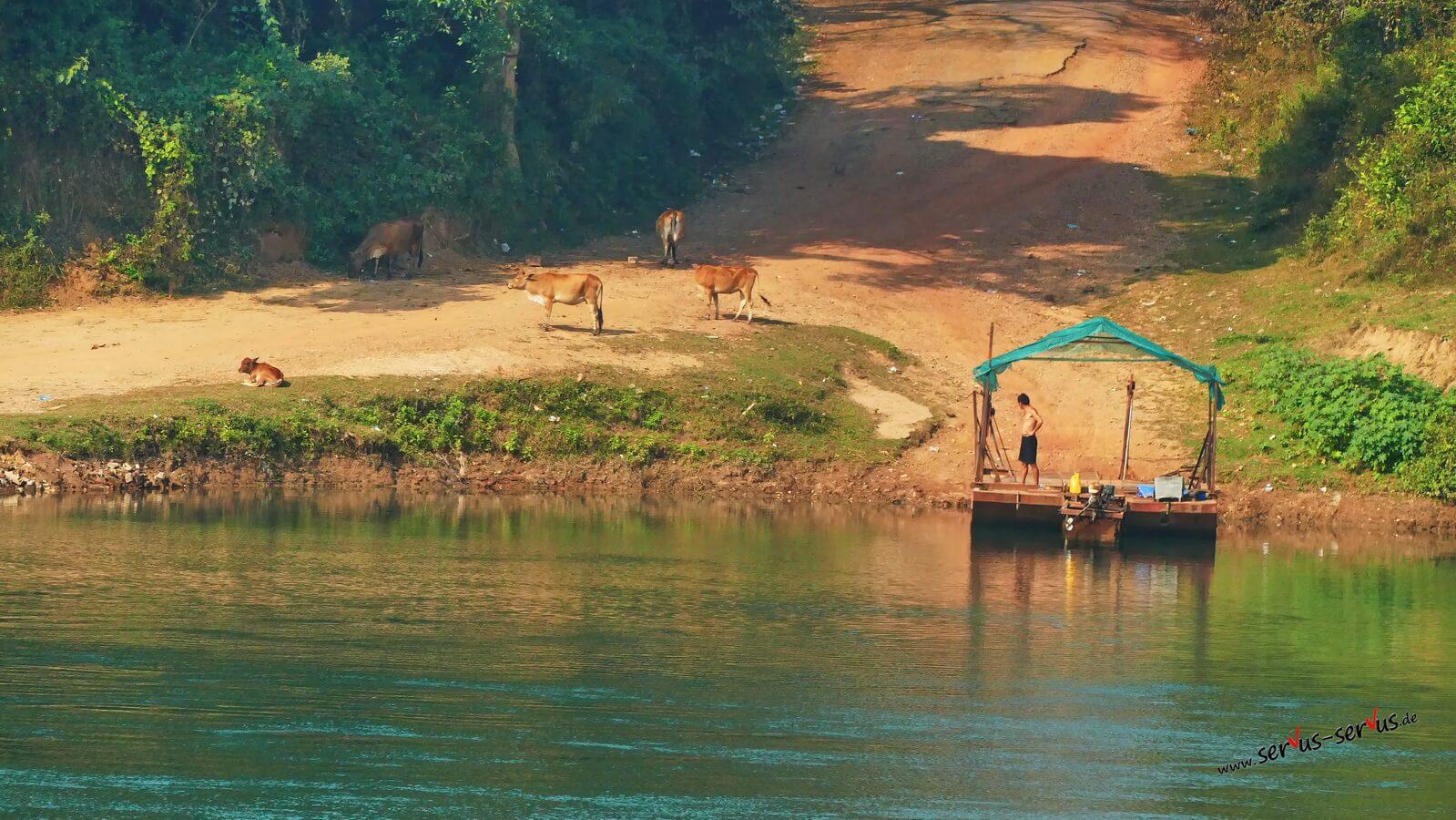 Boot am Nam Ngum