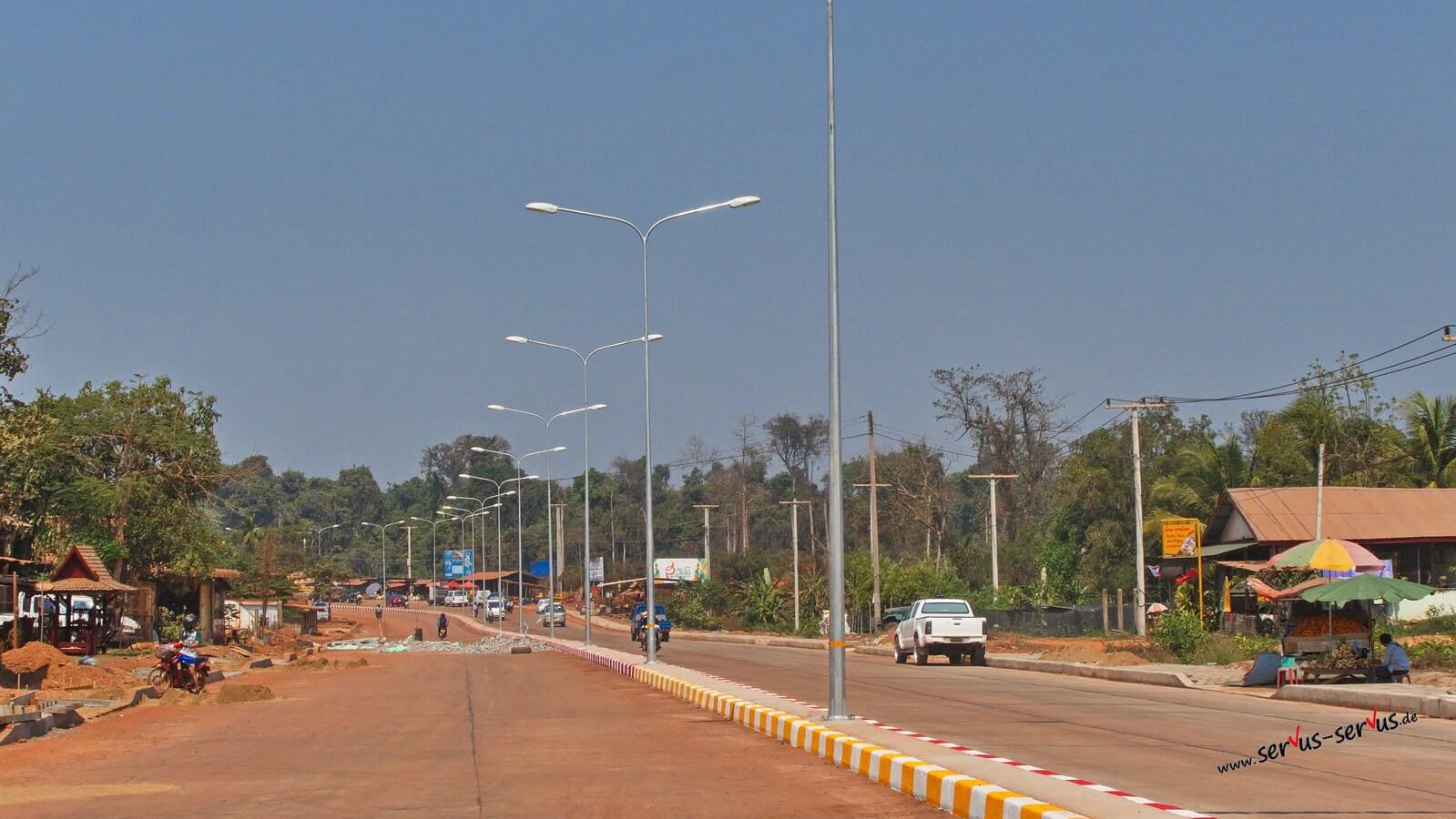neue Straße bei Vientiane