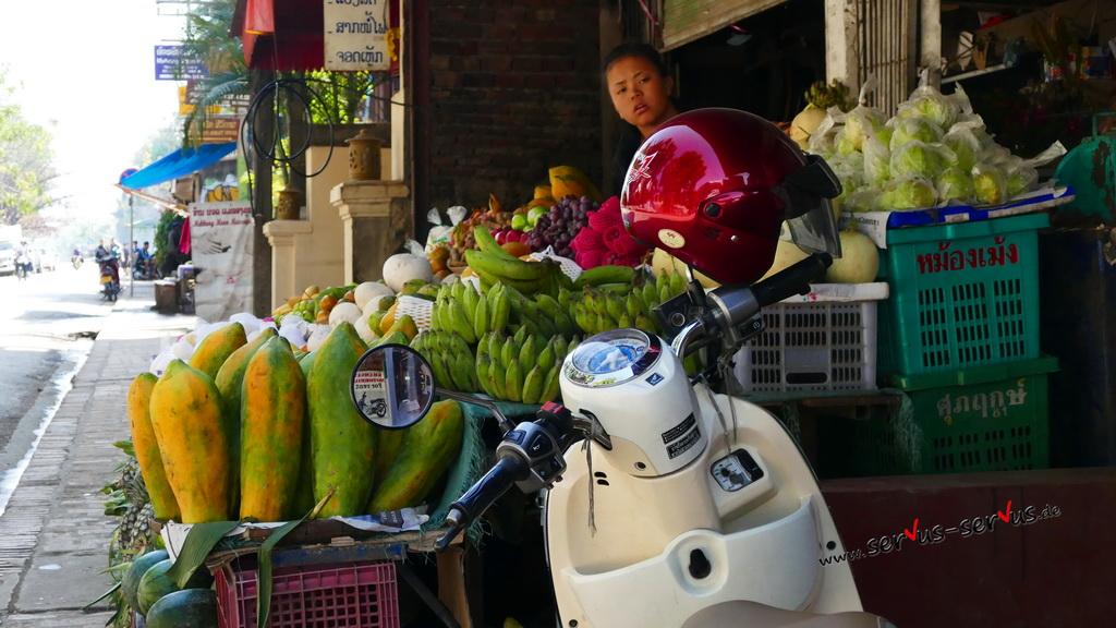 obstmarkt-laos