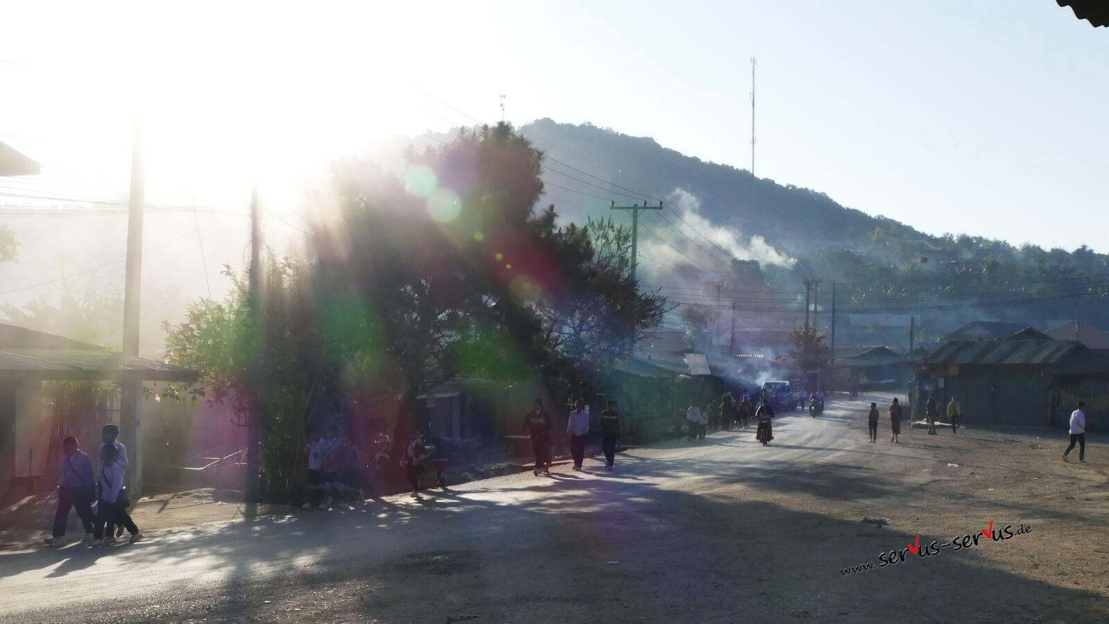 schulweg, laos, pho khame
