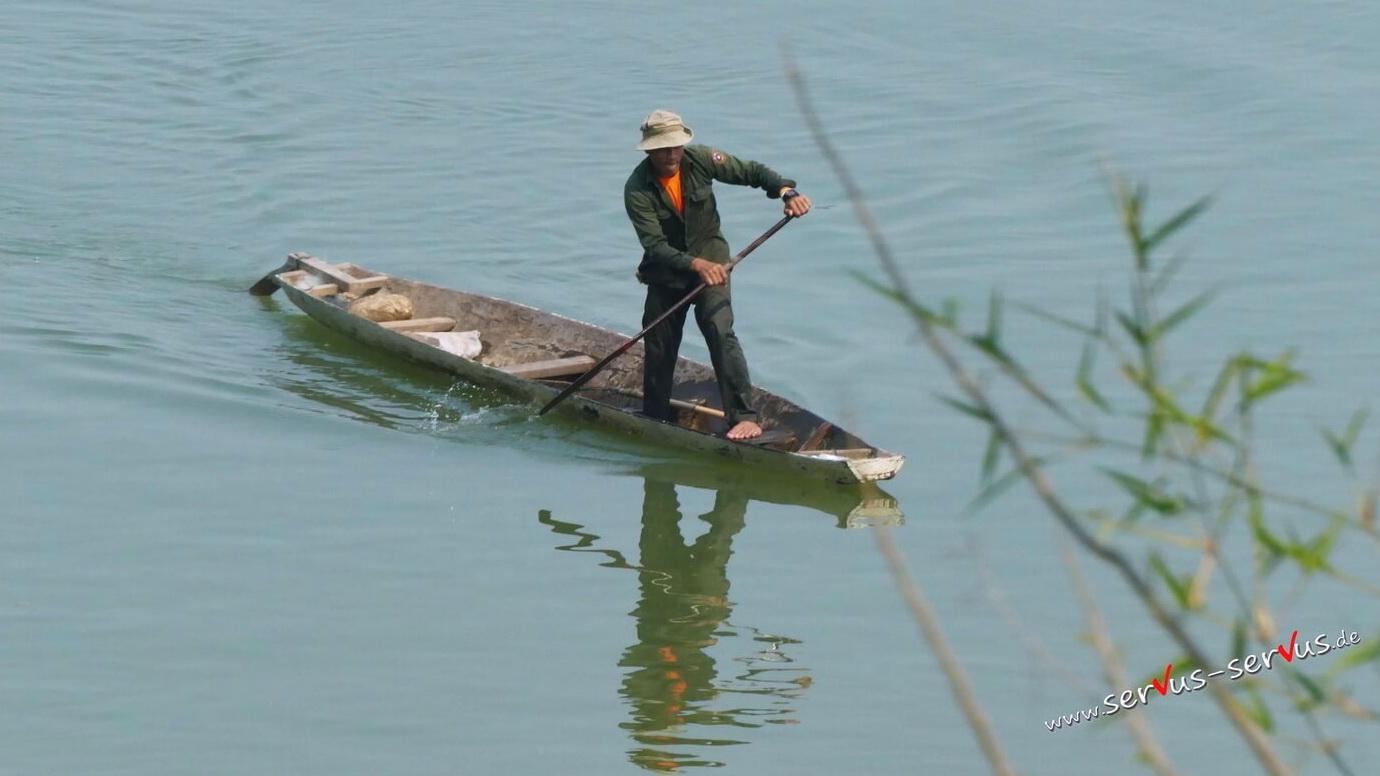 Mann, Boot, Mekong, Laos