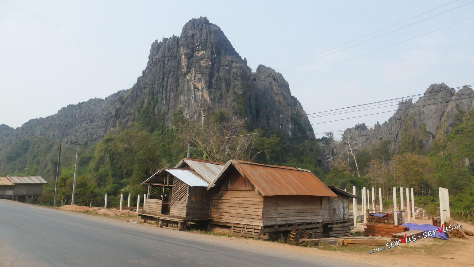 Hütte am Wegesrand zur Kong Lor Cave