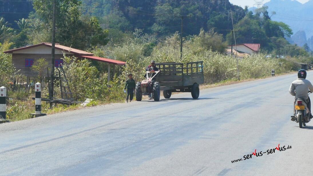Laos, Thakeht, Traktor