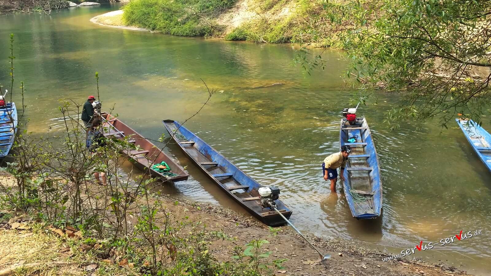 Boot zur Kong Lor Cave