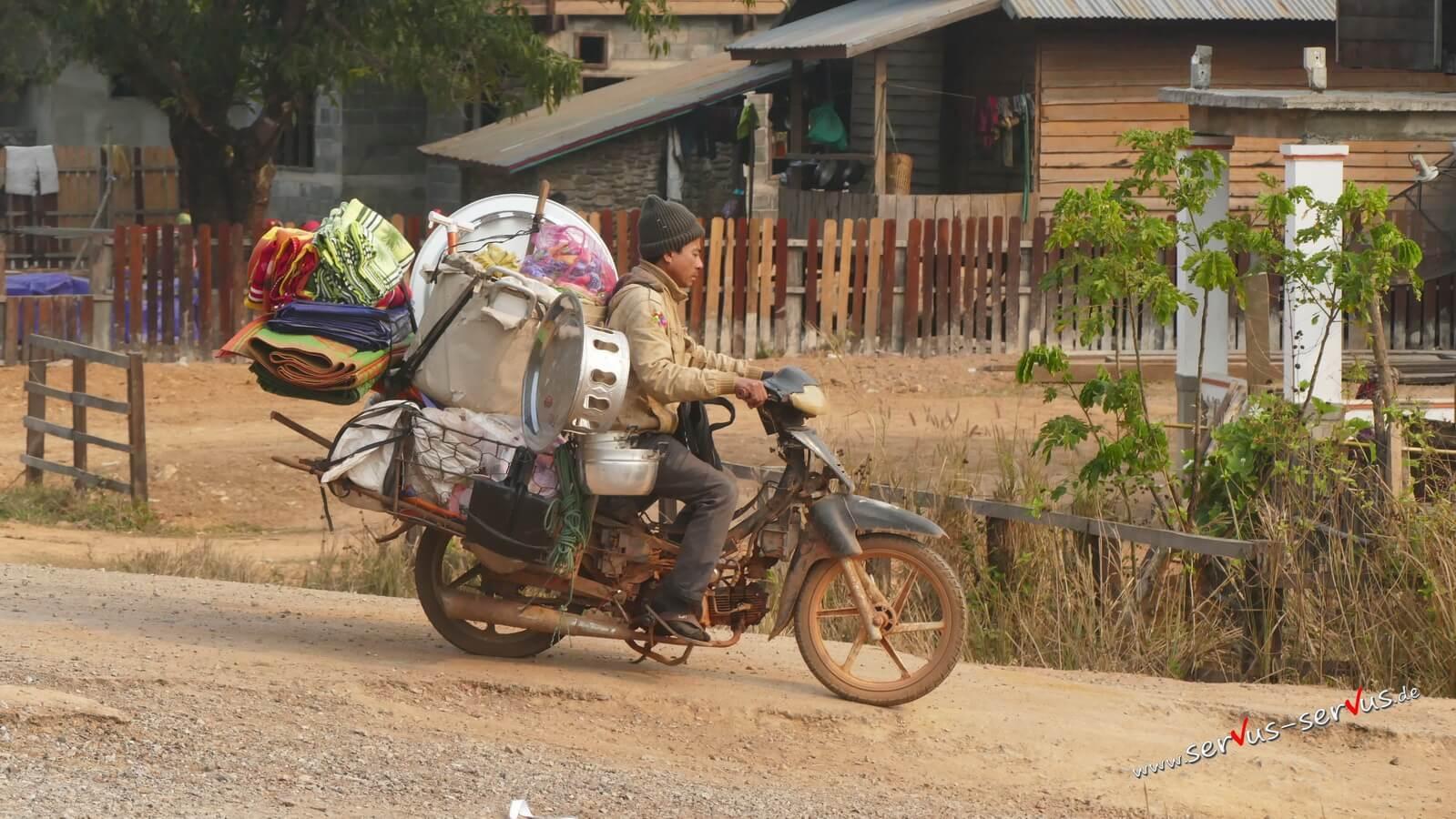 Moped, Händler, Viang Khame