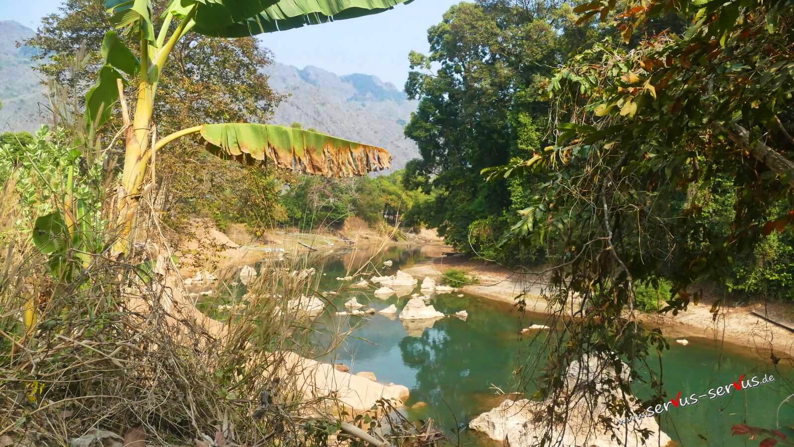 Blick auf den Fluß bei der Kong Lor Cave