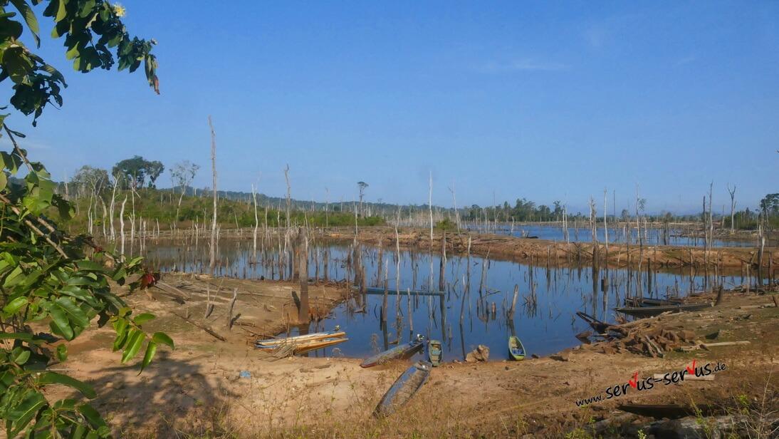 Thalet, Laos Stausee