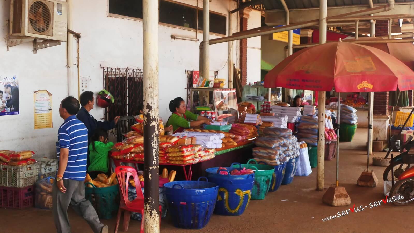 Laos, baguette, busbahnhof