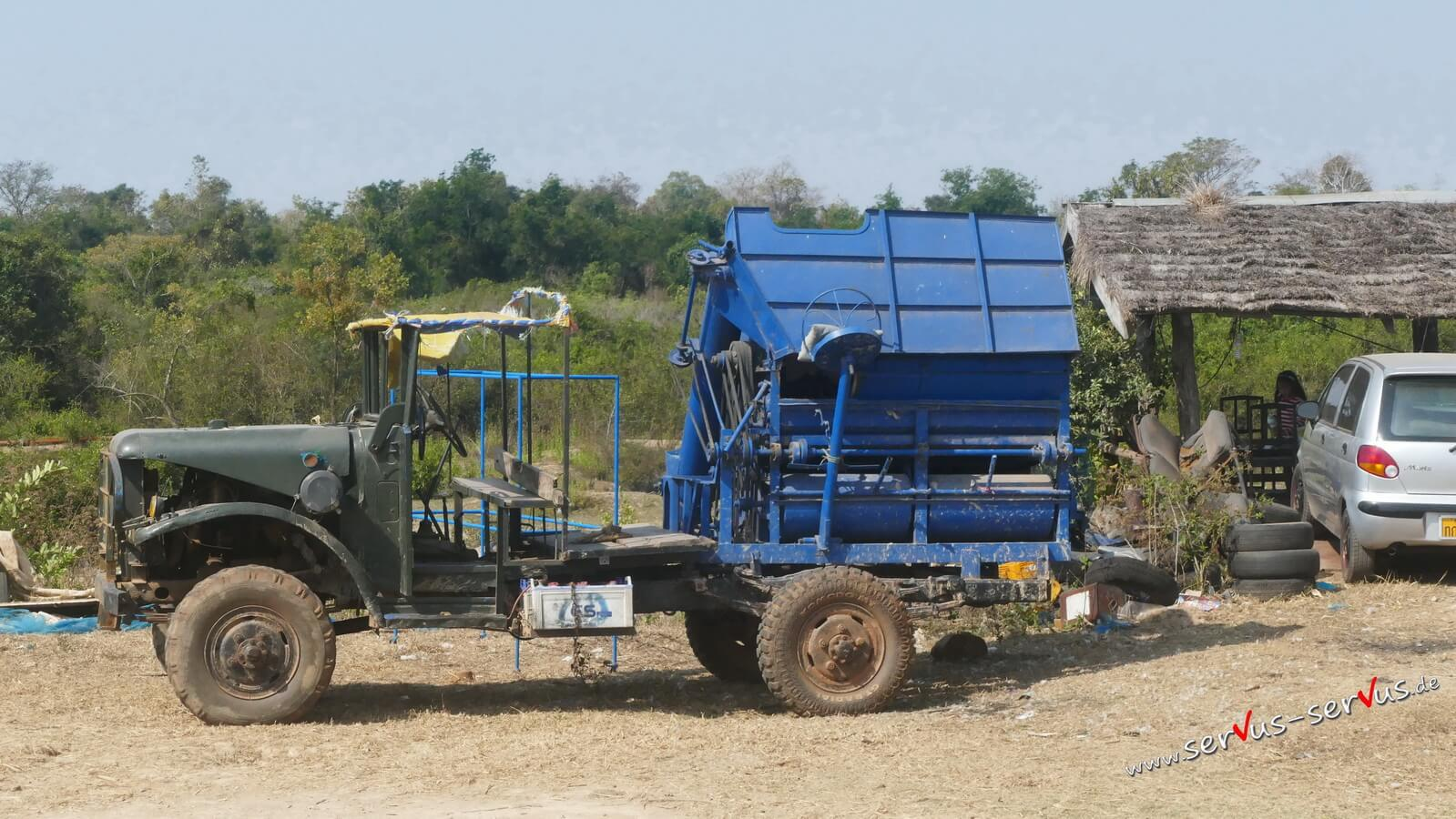 Umgebautes Fahrzeug in Laos