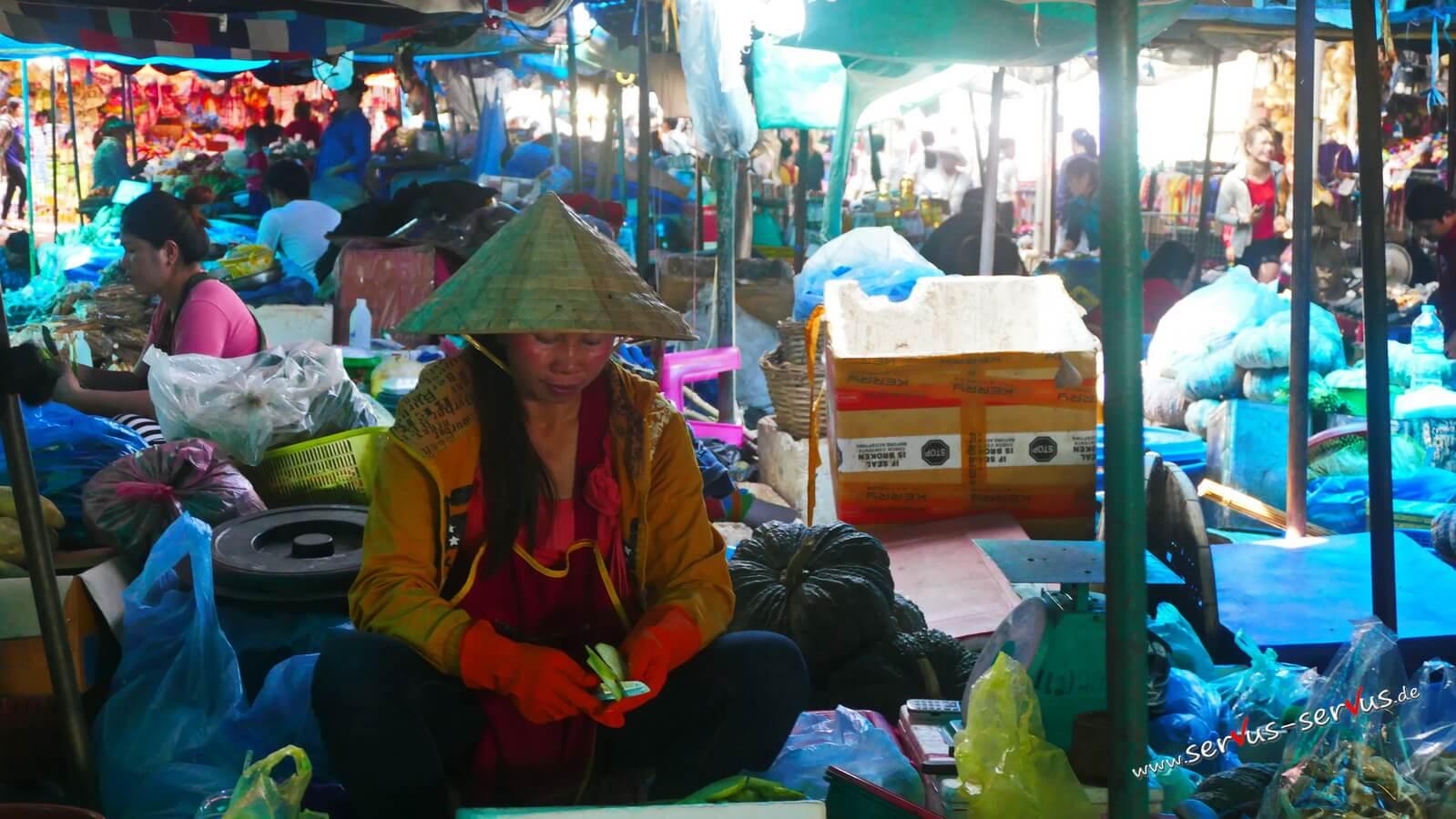 fleischmarkt, vientiane, laos, frau