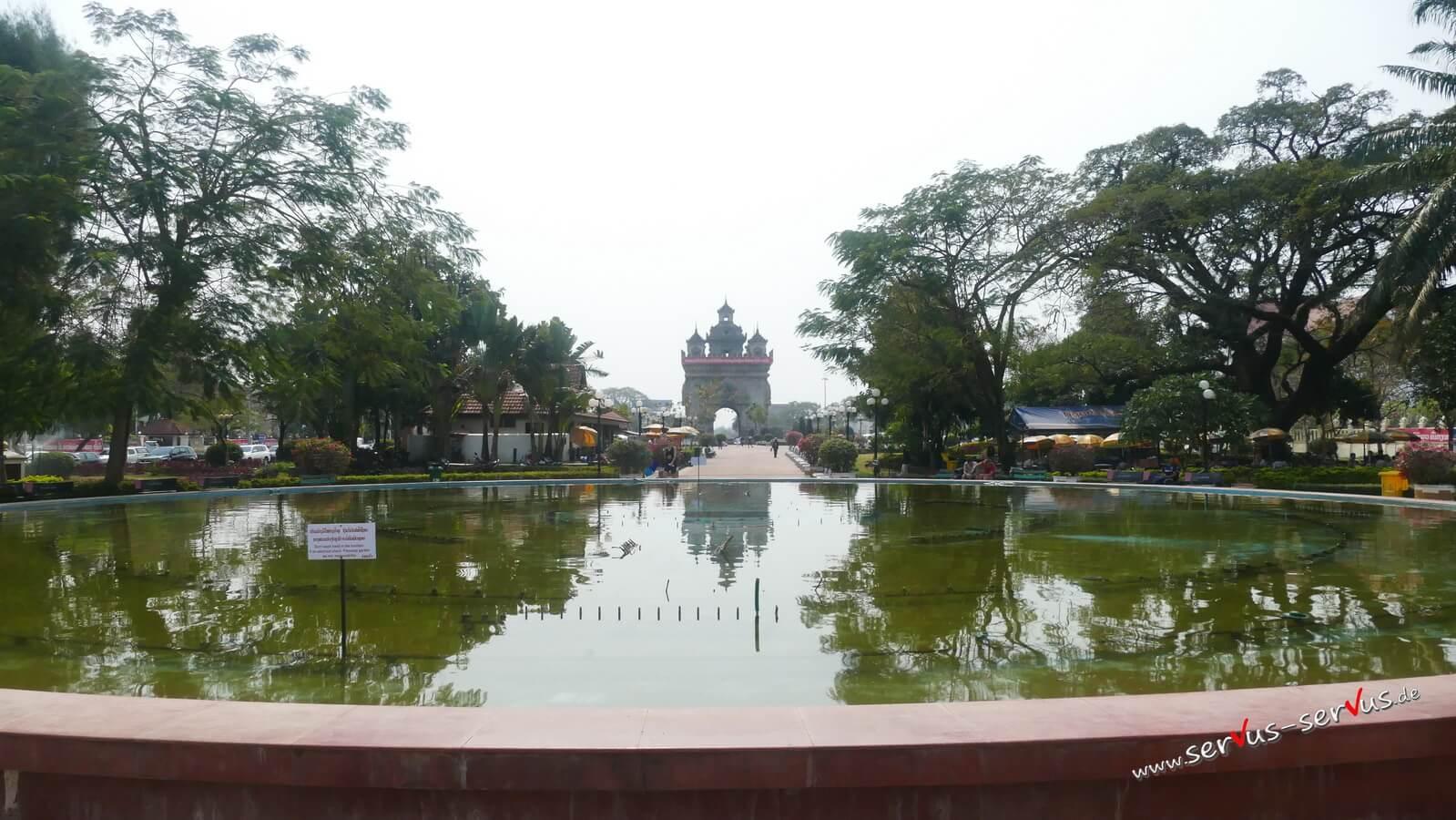 Vientiane, patuxai, laos