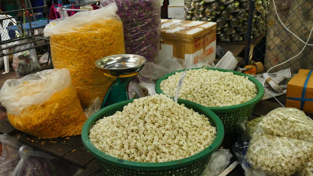 bangkok-fahrradtour-flowermarket-01