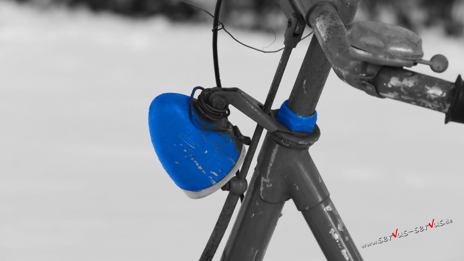 Fahrradlicht in Blau
