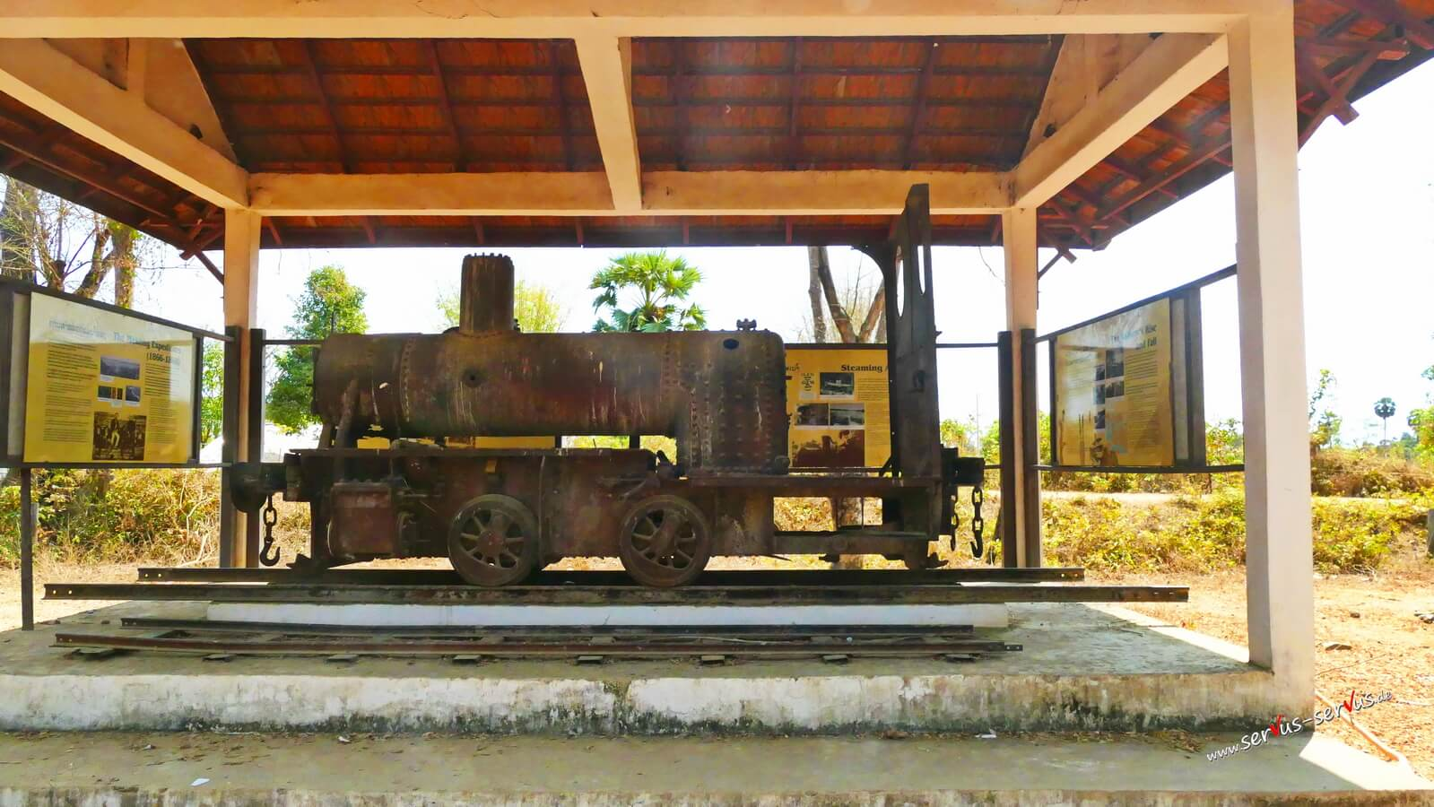 Don Det, alte Lokomotive, Laos